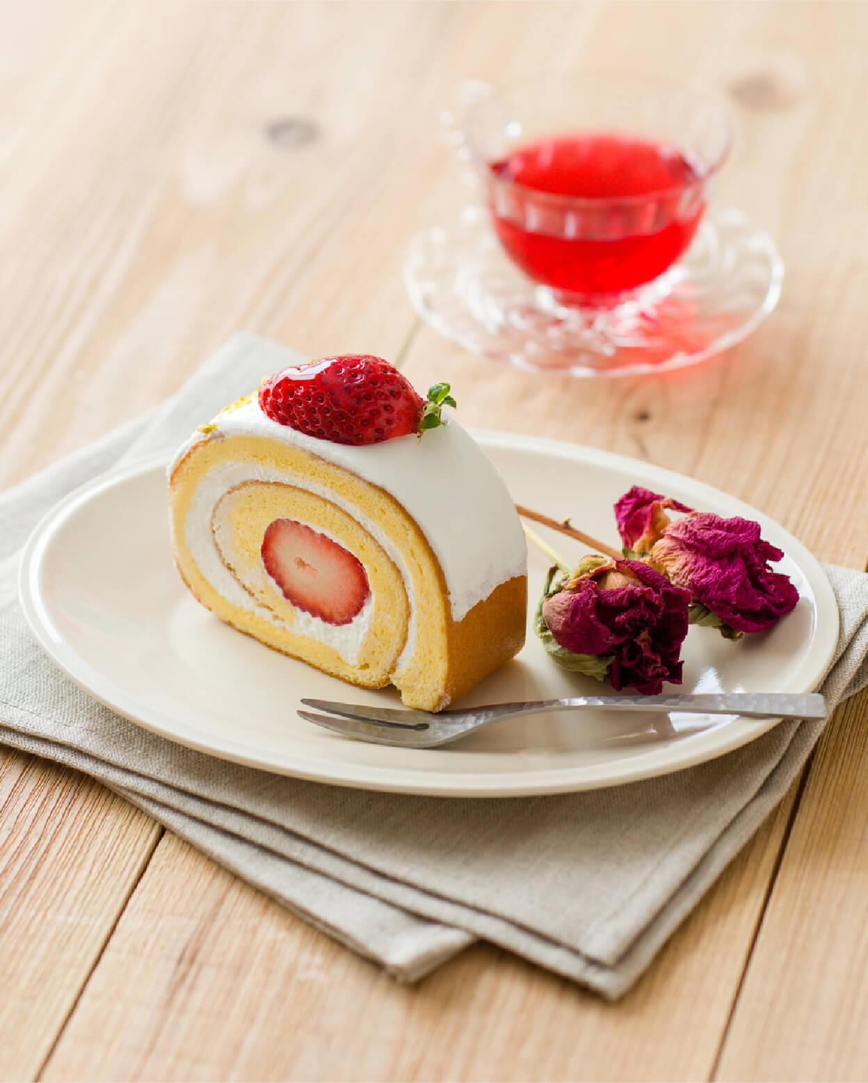 Half Moon × 苺のロールケーキ